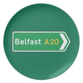 Belfast señal de tráfico BRITÁNICA Platos Para Fiestas