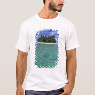 Belize, Barrier Reef, Unnamed island or cay. T-Shirt