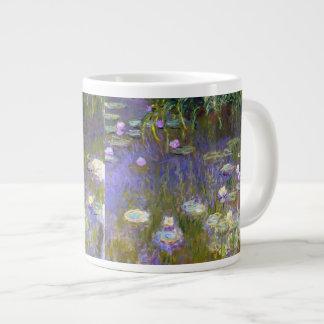 Bella arte de los lirios de agua de Monet (1922) Taza Grande