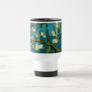 Bella arte floreciente del árbol de almendra de taza de viaje