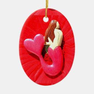 belleza corazón-atada rojo de la sirena adorno navideño ovalado de cerámica