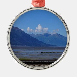 Belleza de Alaska Adorno Navideño Redondo De Metal