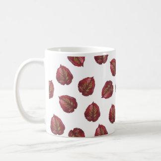 Belleza de la caída - hojas del rojo taza