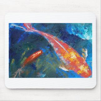 Belleza de los pescados de Koi Tapetes De Raton