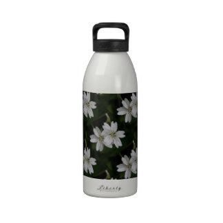 Belleza de primavera siberiana blanca botella de agua reutilizable