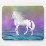Belleza del blanco del unicornio alfombrilla de ratón