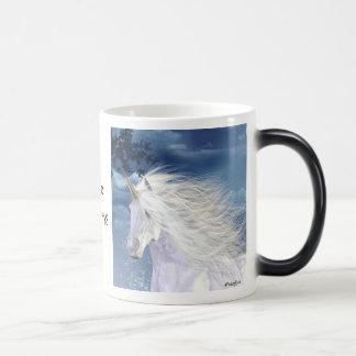 Belleza del blanco del unicornio taza mágica