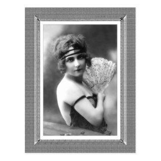 Belleza del vintage - fan - en negro y blanco tarjeta postal