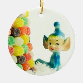 Belleza el duende del duendecillo adorno navideño redondo de cerámica
