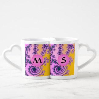 Belleza en el rosa - fractal colorido con el taza para parejas