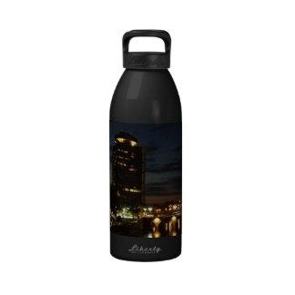 Belleza en la botella de la libertad de Mercury Botellas De Beber
