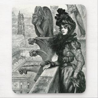 Belleza entre los diablos, Notre Dame, París Tapete De Raton