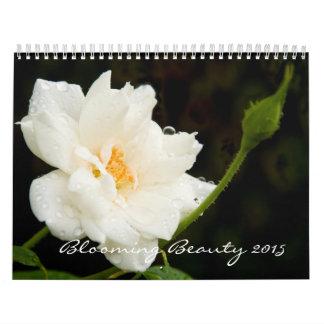 Belleza floreciente calendario de pared