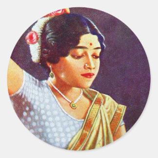 Belleza india de las mujeres de la India de las Pegatina Redonda