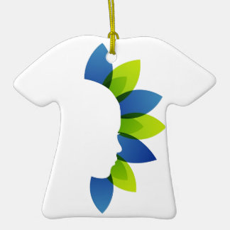 Belleza natural adorno de cerámica en forma de camiseta
