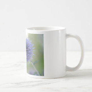 Belleza púrpura etérea taza