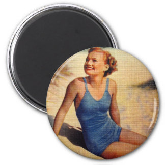 Belleza retra del bañador de los años 40 de las mu imán redondo 5 cm