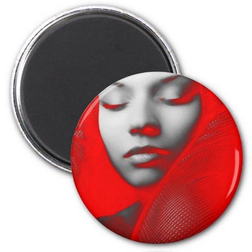 Belleza roja reflejada imán redondo 5 cm
