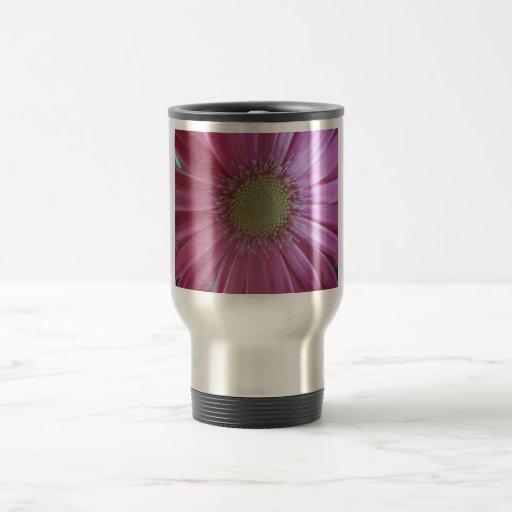 Belleza rosada de la margarita taza térmica