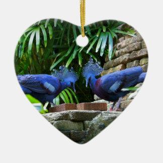 Bellezas azules adorno navideño de cerámica en forma de corazón