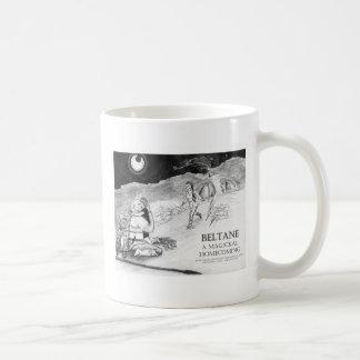 Beltane un diseño #1 del regreso al hogar de Magic Taza Básica Blanca