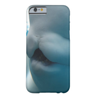 beluga-whale-27.jpg funda de iPhone 6 barely there