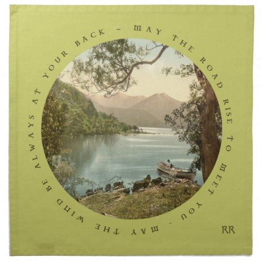 Bendición irlandesa con la servilleta del lago mou