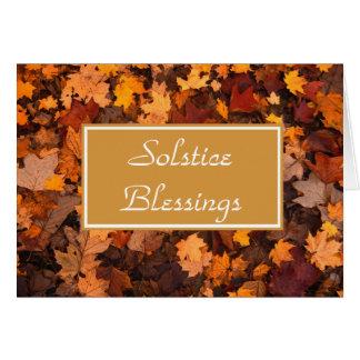 Bendiciones del solsticio con las hojas del tarjeta de felicitación