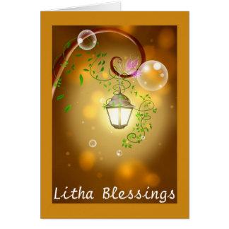 Bendiciones y mariposa del solsticio de verano en tarjeta de felicitación