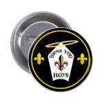 Bendígale emblema de los muchachos pins