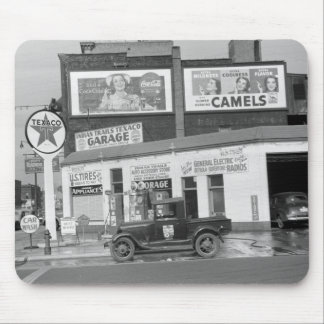 Benton Harbor Filling Station, 1940s Mouse Pad