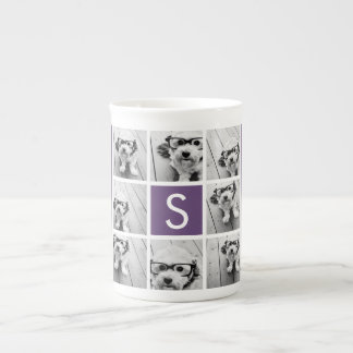 Berenjena y monograma blanco del personalizado del taza de porcelana