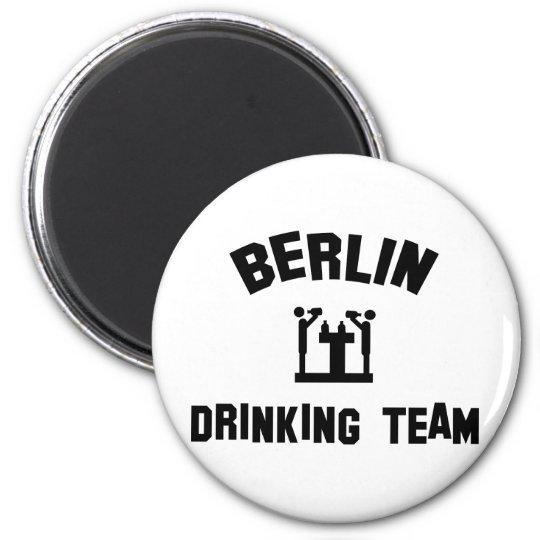 berlin drinking team magnet