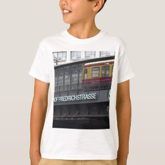 Berlin Friedrichstrasse, Station T-Shirt