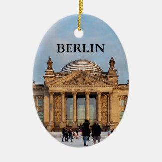 BERLIN Reichstag_001.03 (Reichstag im Schnee) Ceramic Ornament