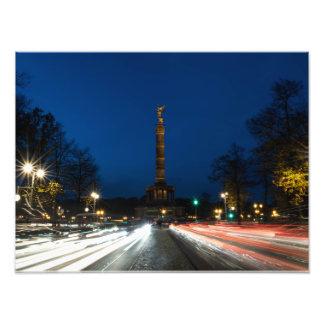 Berlín Siegessäule en el crepúsculo
