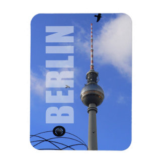 """BERLIN TV Tower with Detail of """"World Time Clock"""" Magnet"""