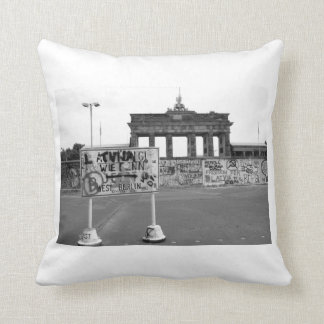 Berlin Wall West Germany 1989 Throw Pillow