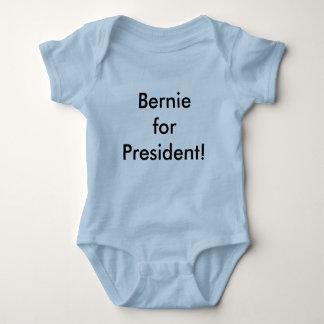 Bernie para el puente del presidente bebé playeras