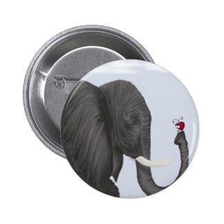 Bertha el elefante y su botón del visitante