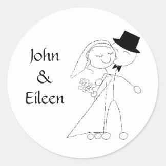 Besar a los pegatinas del boda de los pares etiqueta redonda