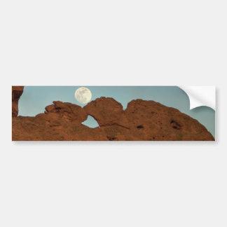 Besar camellos debajo de la luna pegatina para auto