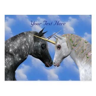 Besar la postal de la fantasía de los unicornios