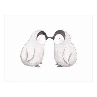 Besar la tarjeta linda de los pares del pingüino tarjeta postal