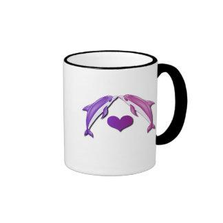 Besar la taza de café de los delfínes