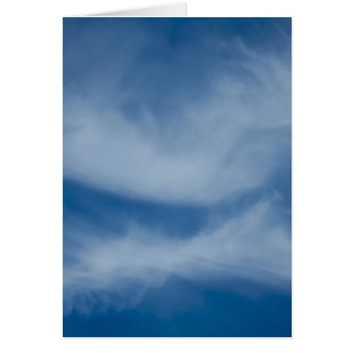 Besar las nubes tarjeta de felicitación