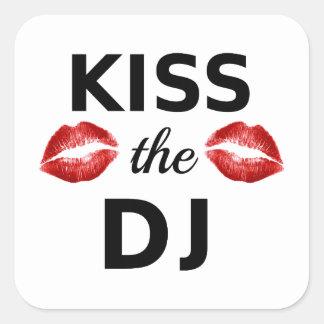Bese a DJ con los rastros rojos del lápiz labial Pegatina Cuadrada