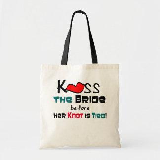 Bese a la novia bolsas de mano