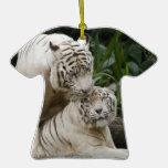 Bese a los amantes blancos de los tigres de la paz ornamento de reyes magos