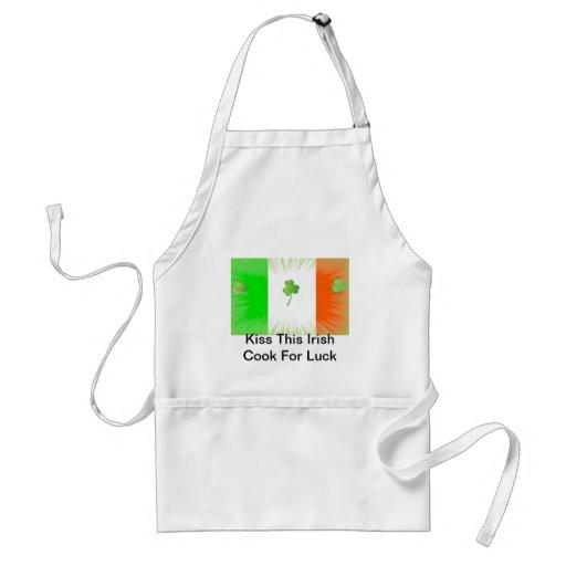 Bese al cocinero irlandés delantal
